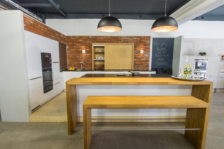 regensburg. Black Bedroom Furniture Sets. Home Design Ideas